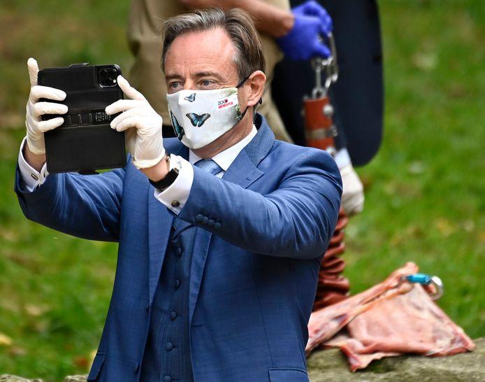 De N-VA van Bart De Wever haalt in de peiling 34,5 procent van de stemmen.