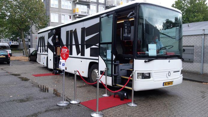 De Inspiratiebus in Breda, met jongste snufjes aan techniek in de wereld van de senioren.