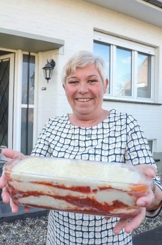 """INTERVIEW. Conny Schoonjans (56), buurvrouw van viroloog Steven Van Gucht: """"Of ik nu twee of drie saucissen in de pan gooi, wat maakt dat nu voor verschil uit?"""""""