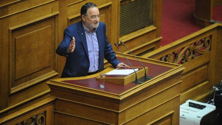 Minister van Productieherstel Lafazanis Panayotis leidt een groep Syriza-parlementariërs, het Links Platform, die niet wil toegeven aan de eisen van de schuldeisers. Beeld PHOTO_NEWS