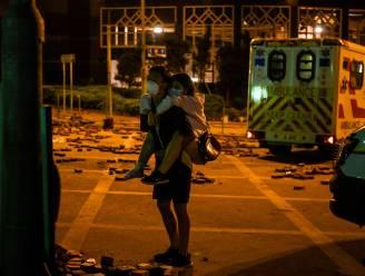 Honderden betogers die zich verschansten in universiteit in Hongkong in ziekenhuizen opgenomen