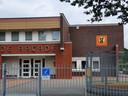 Leerlingen van de groepen 7 en 8 van de St. Janschool hebben hun intrek genomen in het gebouw van De Arcade.