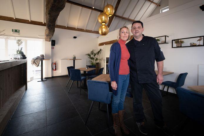 Sabine Pauwels en Bert Luyten openen morgen (woensdag) de deuren van brasserie @Villam.
