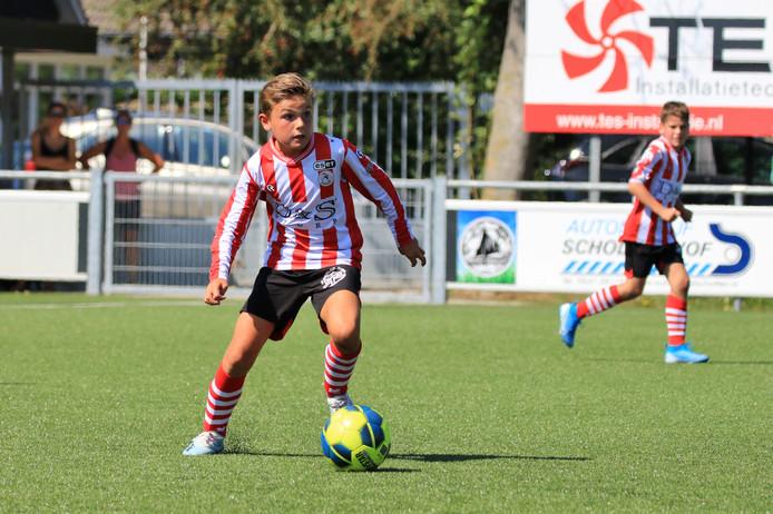 Tim van de Plasse in actie voor Sparta onder 12. Tegen Fortuna Sittard scoorde hij zaterdag 12 keer.