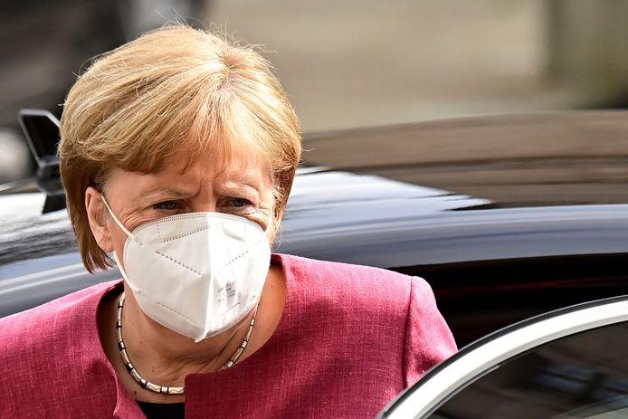 De Duitse regering heeft nieuwe nationale regels goedgekeurd in de strijd tegen het coronavirus. Daarmee kan de federale regering de maatregelen van de deelstaten overrulen.
