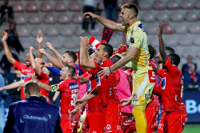Marko Ilic en zijn ploeggenoten zijn door het dolle heen na de overwinning tegen AA Gent.