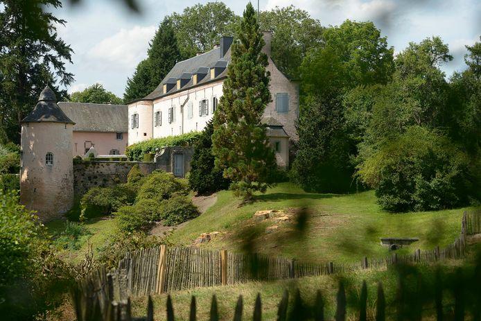 Het Koninklijk domein van Fenffe nabij Ciergnon valt ook onder de Koninklijke Schenking.