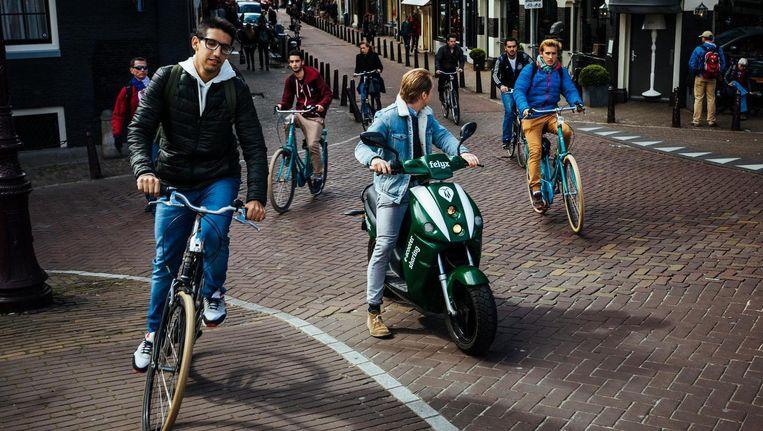 Een deelscooter van Felyx Beeld Marc Driessen