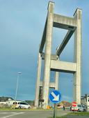 TISSELT - De brandweer kwam ter plaatse om de brug te koelen