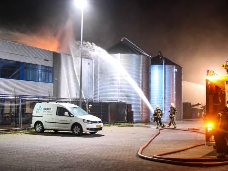 Holabouw draait op halve kracht na brand: 'Dit geeft een hele brok ellende'