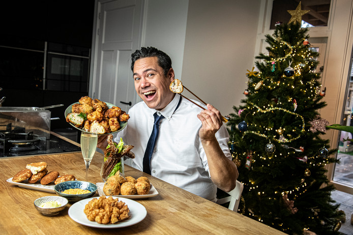 Oliebol 2.0: tv-kok Danny Jansen geeft een geheel eigen twist aan de deegbol die elk jaareinde de frituur in gaat.
