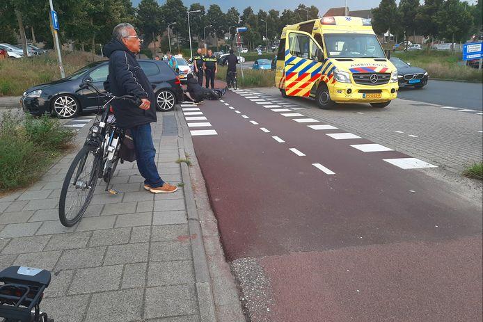 Een scooterrijder is gewond geraakt bij een ongeluk op de Stadspoort in Ede.