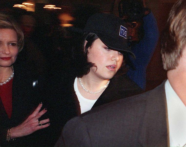 Monica Lewinsky arriveert bij haar hotel, 23 januari 1999.  Beeld AFP