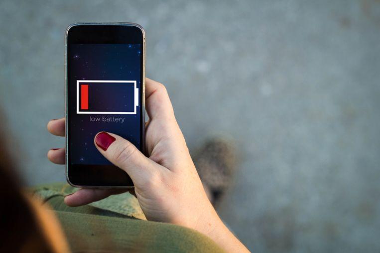 Het beu om altijd bezig te zijn met je batterij? Bij deze vijf smartphones gaat ze wat langer mee. Beeld Thinkstock