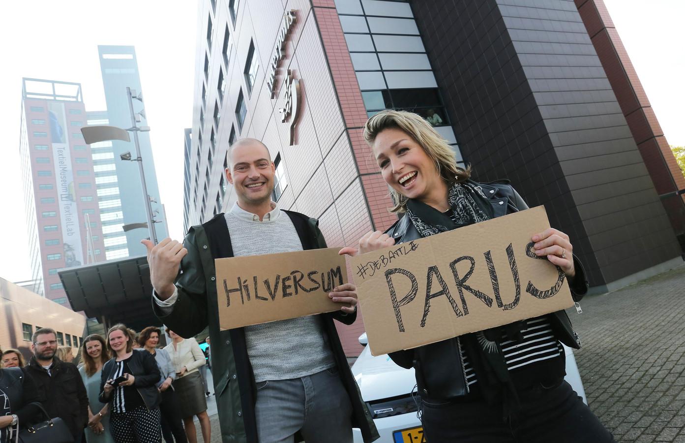 Lange Frans en Do startten donderdagochtend in Tilburg hun actie voor mobielvrij rijden.
