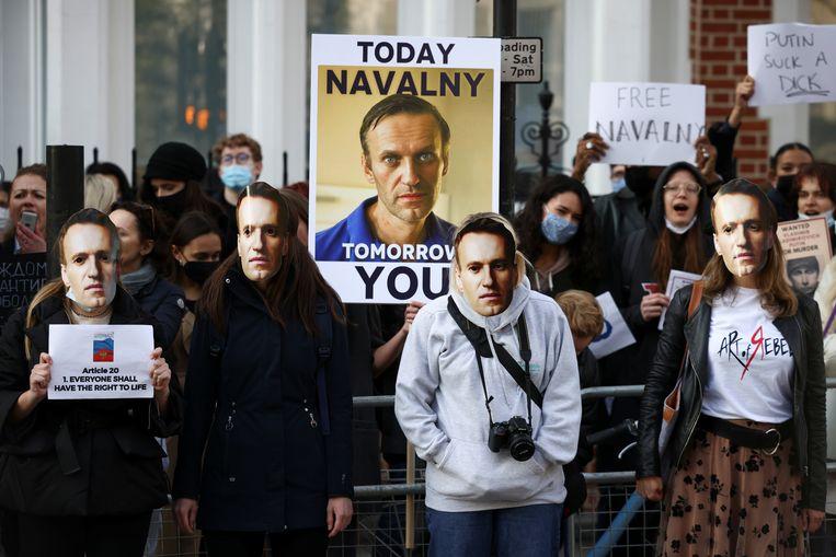 Demonstranten protesteren in Moskou. Beeld REUTERS