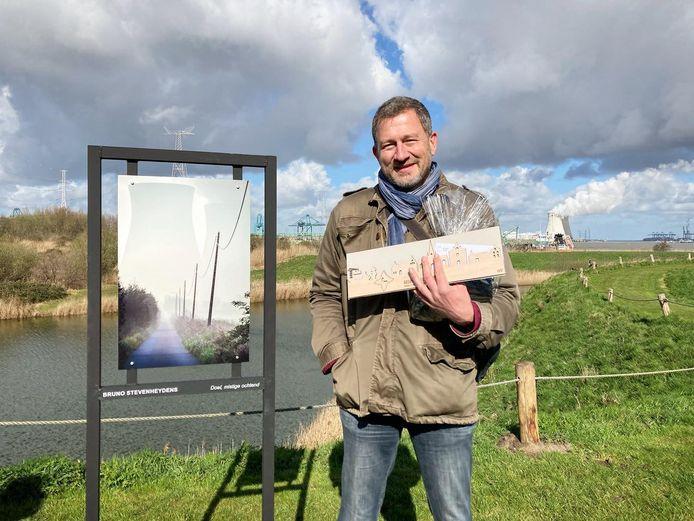 Bruno Stevenheydens met de foto 'Doel, mistige herfstochtend'