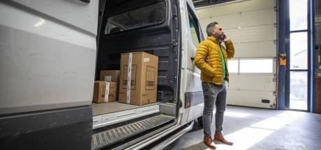 Het succesverhaal van de Twentse Turken Ahmed en Mehmet: 'Pakketbezorging is een bizarre wereld'