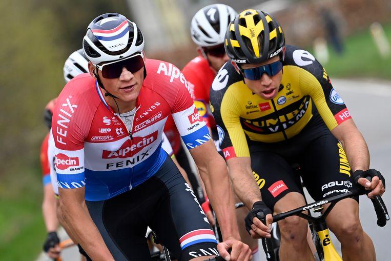 Wielrenners Mathieu van der Poel (links) en Wout Van Aert. Beeld BELGA