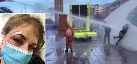 """La police néerlandaise déploie un canon à eau sur une femme à bout portant: """"Fracture du crâne et 15 points de suture"""""""