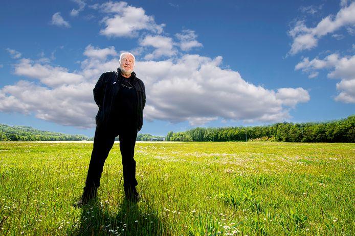 Jan Smeets op het lege Pinkpop-veld
