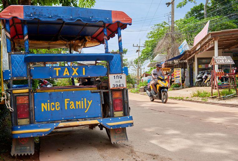 Een tuktuk op Koh Lanta.  Beeld Shutterstock