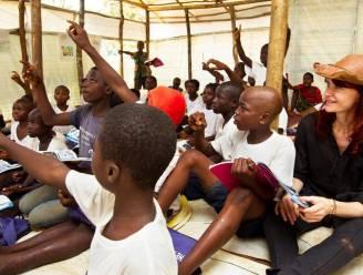 Unicef geeft les aan kinderen in noodsituaties