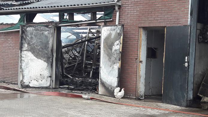 Het interieur is volledig verbrand.