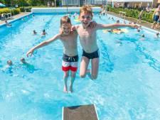 Recorddrukte in buitenzwembad Hasselt