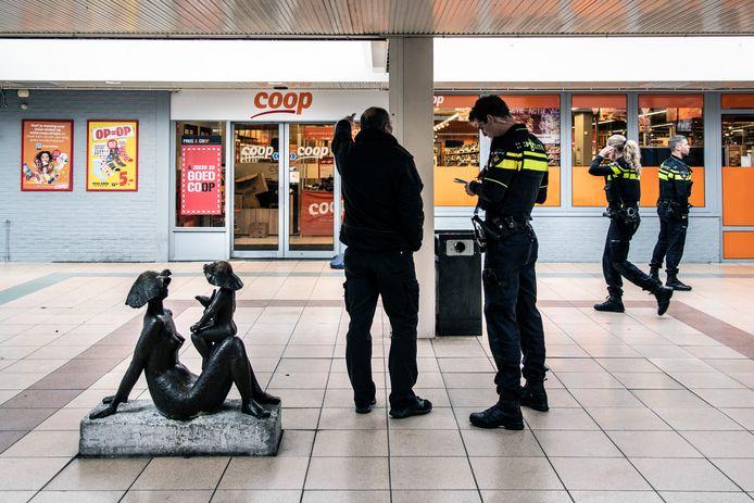 De supermarkt Coop in de Nijmeegse winkelcentrum Notenhout is maandagochtend overvallen.
