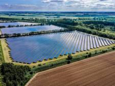 Grootste zonnepark van Flevoland bij Lelystad is klaar en levert stroom aan 9 duizend huishoudens