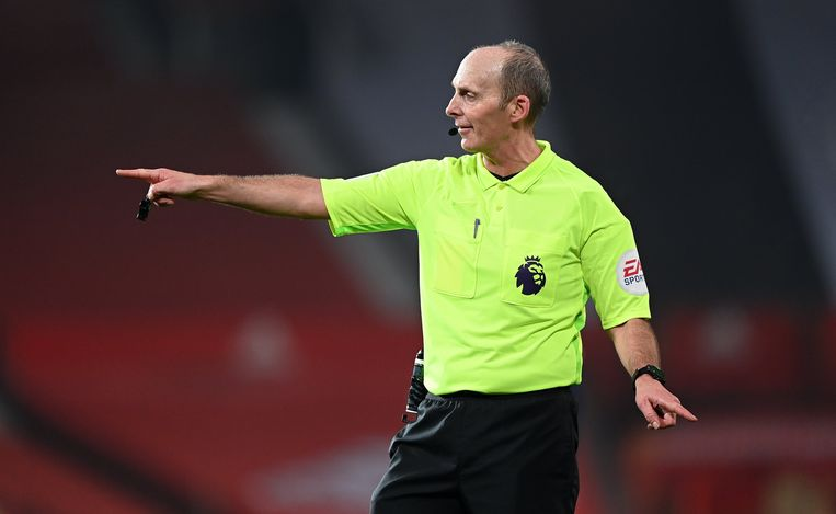 Mike Dean Beeld Photo News