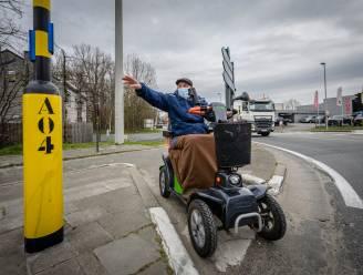 """""""Wachten tot toevallig ook iemand anders moet oversteken"""": Aanpassing verkeerslichten Vlassenbroekbrug problematisch voor mindervaliden"""