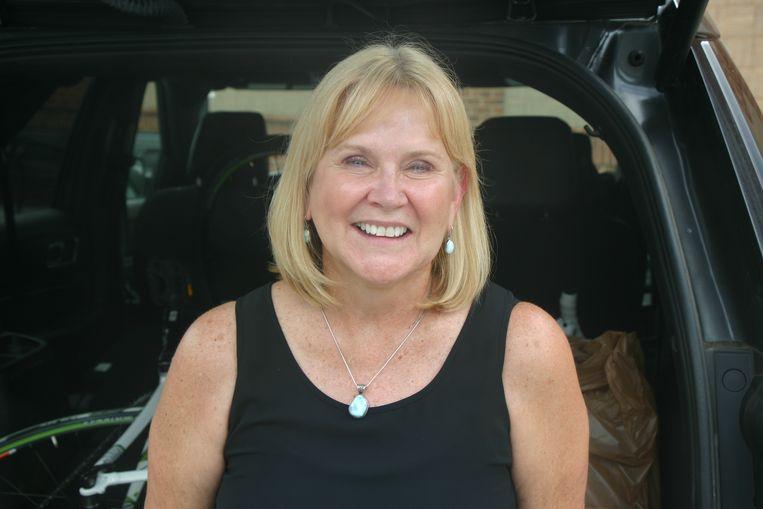 Kathy Ranft (63), inwoner van de 'gated community' Highclere en samen met haar man eigenaar van een aantal McDonald's-restaurants. 'Wat Trump zegt is enorm belangrijk. Hij probeert Amerika te houden zoals wij erin zijn opgegroeid'.  Beeld Michael Persson