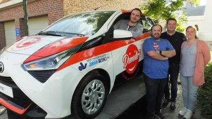 Machelenaar Michiel (26) wint auto dankzij vernieuwde Dagbladhandel Dimitri