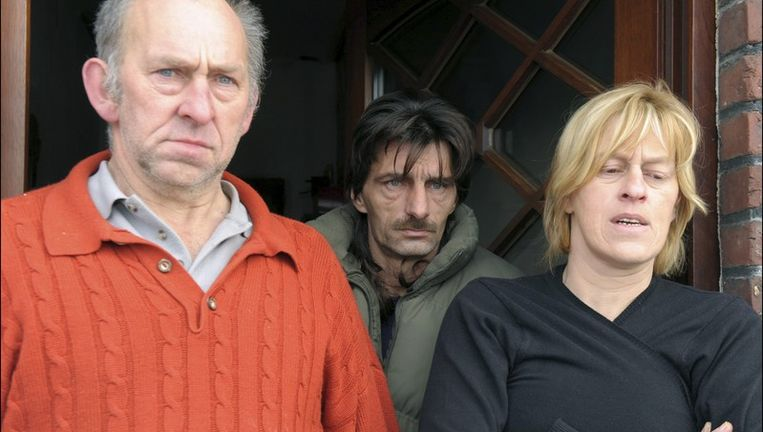 Johan Appeltans (midden) en Peggy Bellen, de ouders van Shana. Beeld UNKNOWN