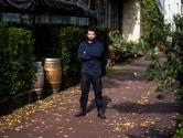 Verdeelde meningen onder Arnhemse horeca over QR-plicht: 'Het voelt meer als vernauwing dan versoepeling'