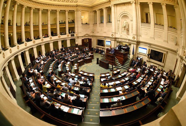 De nieuwe Kamerleden hebben al een honderdtal wetsvoorstellen ingediend.