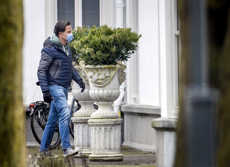 Premier Mark Rutte arriveert bij het Catshuis in Den Haag. Beeld EPA