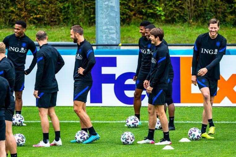 Het Nederlands elftal tijdens een training. Beeld Pro Shots / Marcel van Dorst