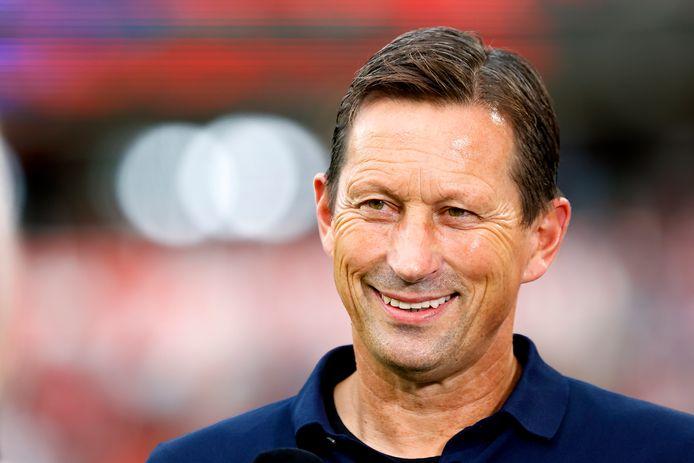 Roger Schmidt blijft - als het aan PSV ligt - langer trainer in het Philips Stadion.