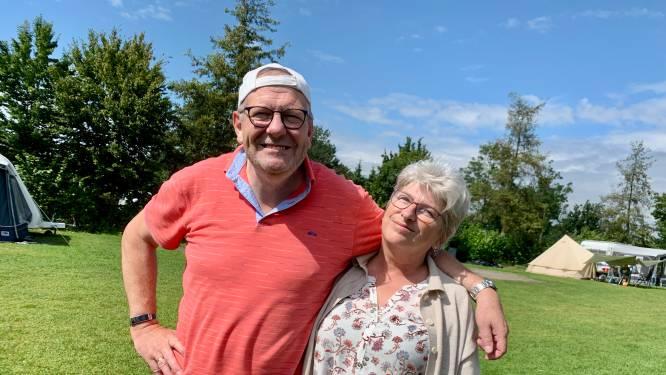 Terwijl Willem en Corrie van Urk uit Urk kamperen, trotseert kleinzoon Levi (6) de 'kottertest'