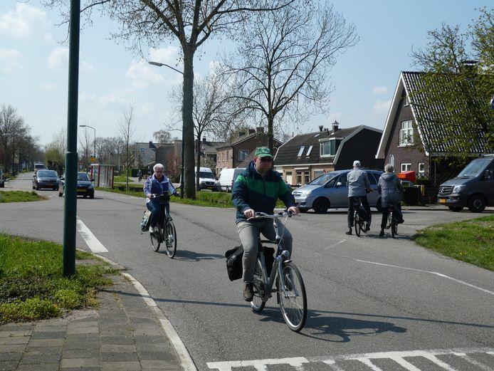 De kruising in Polsbroekerdam krijgt meer het uiterlijk van een dorpskern, waar verkeer moet afremmen.