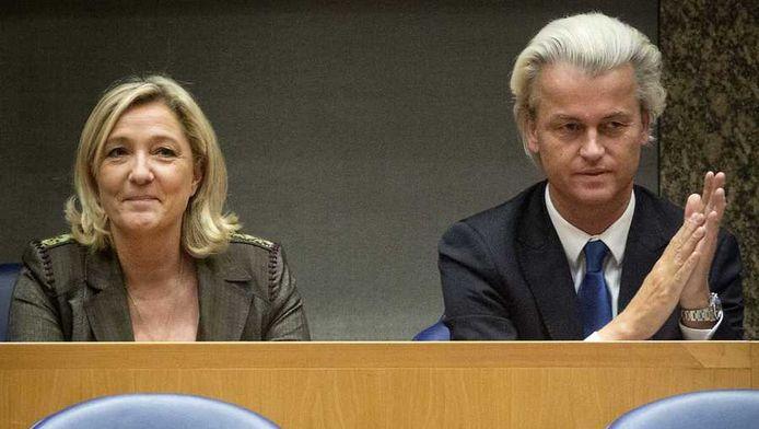 De SD overweegt toe te treden tot de anti-Europese alliantie van Le Pen en Geert Wilders.