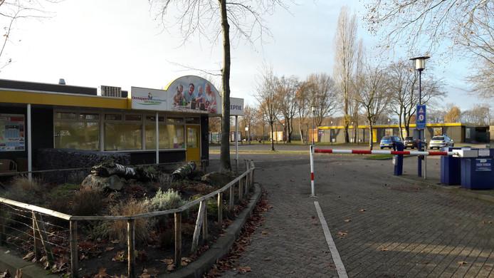 Entree vakantiepark Droomgaard aan de Van Haestrechtstraat in Kaatsheuvel.