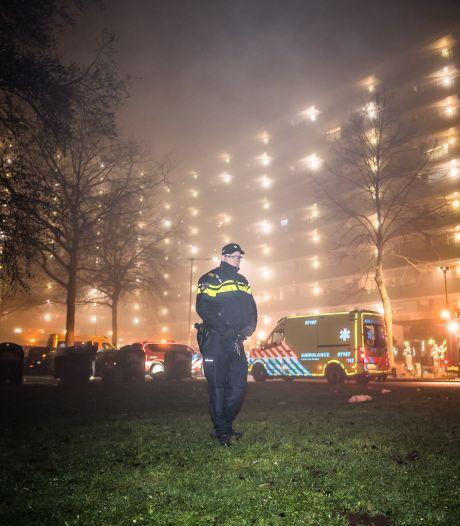 """Medebewoner flat Arnhem werd met hoogwerker geëvacueerd: ,,De gangen stonden vol met rook"""""""