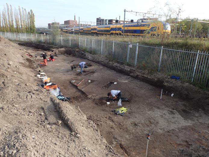 Archeologisch onderzoek op braakliggend terrein naast het station in Breda