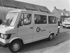 Hoe in 1977 de eerste buurtbus van Nederland in gebruik werd genomen en een blijvertje bleek te zijn