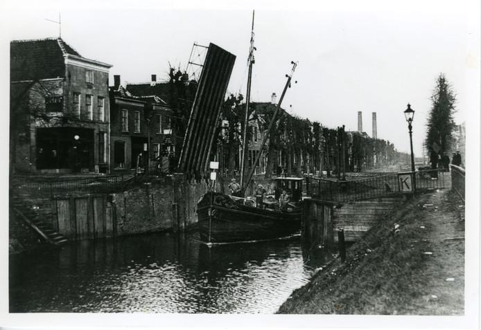 Nostalgisch beeld haven Zevenbergen uit het archief van Hans van Dordrecht