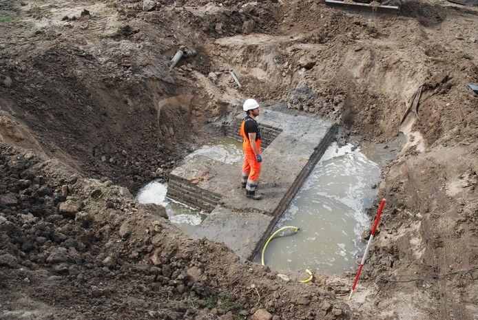 Koert Salomons bij de opgraving van het kloostercomplex in Gorinchem.